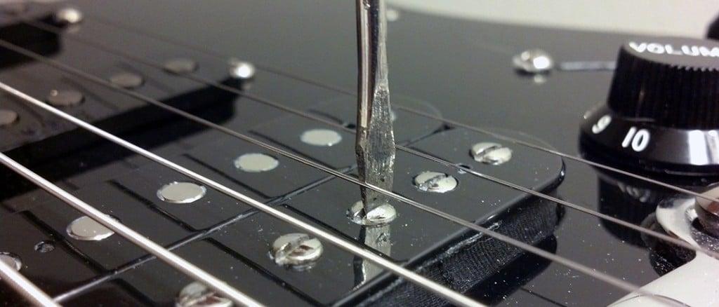 photo depicting screw pole adjustment