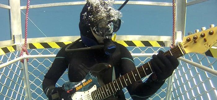 underwater 700x425
